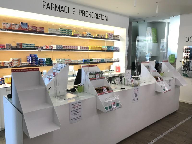 Farmacia Varago Espositori